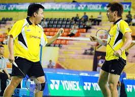 Hoon Thien How (left) and Koo Kien Keat (who partners with Tan Boon Heong) are 2 players that has serious weight problem. Perhaps Malaysian foods are too tasty and really hard to resist ;-)