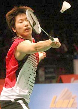The 22-year-old Lee Dong-keun hardly showed any nerves despite playing as the first singles for the first time.