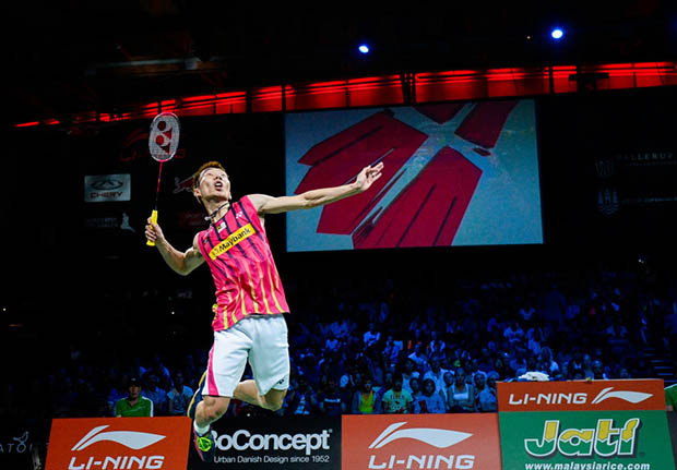 Lee Chong Wei sets up Chen Long final