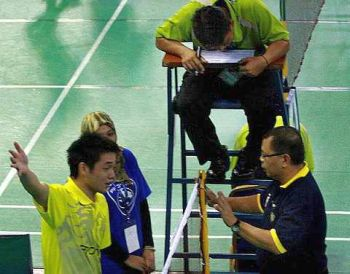 Daren disputing a decision by the line judge at the Pahang Open yesterday