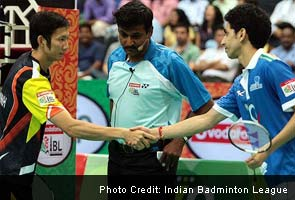 Pune's Nyugen tien Minh beats RMV Gurusai Dutt of Awadhe Warriors 21-12 21-18 in the second men's singles.