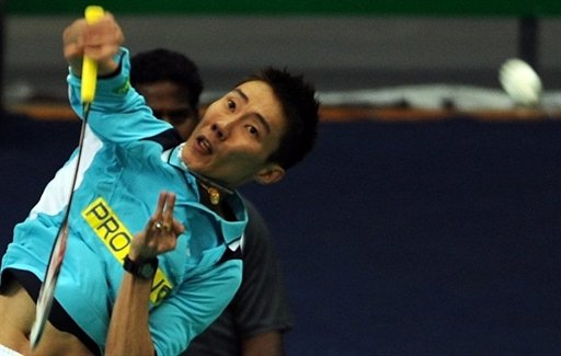 World number one Lee Chong Wei of Malaysia brushed aside Thailand's Boonsak Ponsana in the Japan Open on Wednesday