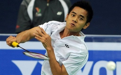 Simon Santoso beat World number one Lee Chong Wei of Malaysia in the second round of the Japan Open