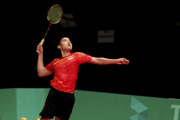 Simon Santoso defeated compatriot Dionysius Hayom Rumbaka 21-17, 21-11 in the Indonesia Open Grand Prix Gold men's singles final in Jogyakarta on Sunday.