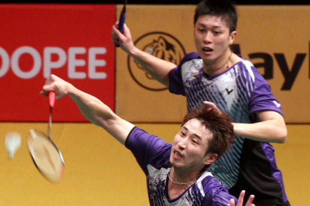 Lee Sheng-mu-Tsai Chia-hsin humbled world champions and top seeds Mohd Ahsan-Hendra Setiawan of Indonesia in the second round of the Maybank Malaysian Open. The Taiwanese pair won 21-10, 19-21, 21-13.
