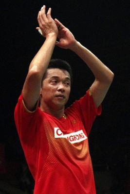 Olympic hero Taufik Hidayat bids an emotional farewell