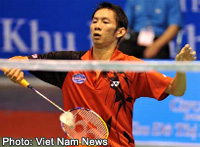 Bird man: Top player Nguyen Tien Minh and his teammates helped Viet Nam defeat Singapore 3-2 in the first round of the Thomas Cup Preliminary Asia Zone yesterday, a badminton men's team tournament in Nakhon Ratchasima, Thailand.