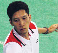Hafiz Hashim lost to Lee Chong Wei 21-7, 19-21, 21-7 in the second round yesterday.
