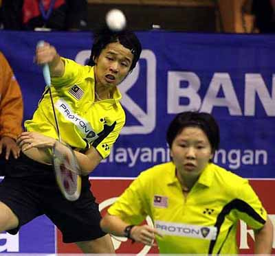 Chin Eei Hui foreground and Wong Pei Tty in action in this file picture. Eei Hui will not forget her 27th birthday on Friday. Eei Hui, who is making a comeback from a back injury, and Wong Pei Tty pulled off a stunning 21-14, 9-21, 21-18 win over South Koreans Lee Hyo-jung-Lee Kyung-won in the quarter-finals of the Indonesian Open in Jakarta. It was the Malaysian's first win over the South Koreans in seven years.