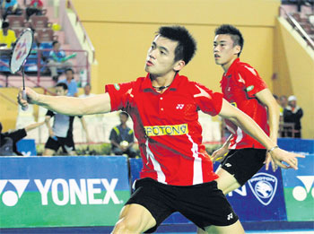 Mak Hee Chun-Tan Wee Kiong advance to the Yonex-Sunrise Malaysia Open Grand Prix semi-finals yesterday.
