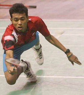 Painful loss: Iskandar Zulkarnain broke down when he failed to win the Asian junior title on Sunday.