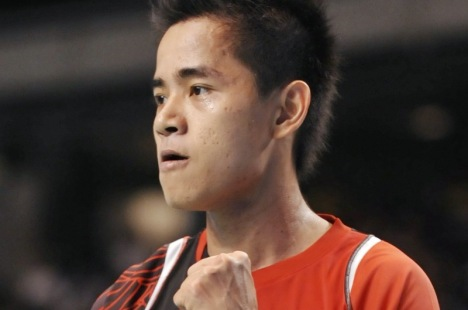 Simon Santoso of Indonesia reacts after his winning point against Lee Chong Wei.
