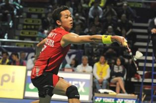 Taufik Hidayat lost twice to Lee Chong Wei in two Super Series finals this season — in Hong Kong on Sunday and Indonesia in June.