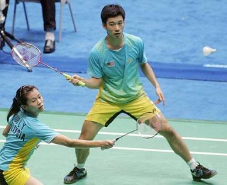 Quite a pair: Malaysia's Goh Liu Ying (left) and Chan Peng Soon stunned Indonesia's world No. 2 Hendra Aprida Gunawan-Vita Marissa 21-14, 15-21, 21-16 in the Hong Kong Open yesterday.