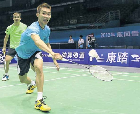 Senior players including Lee Chong Wei and doubles pair Koo Kien Keat-Tan Boon Heong will play against South Africa today.