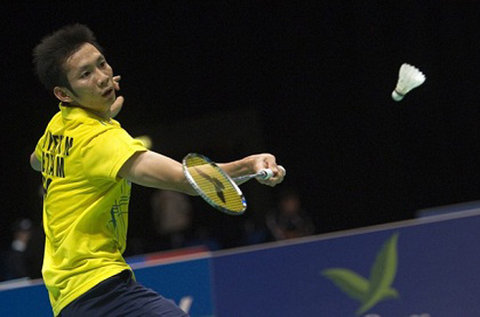 On the morning of September 20, Vietnam's No. 1 badminton player Nguyen Tien Minh excluded his Malaysian rival Daren Liew in a tough match in round 2 of the Japan Open.