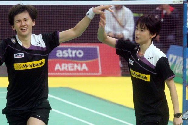 Woon Khe Wei (left) suffered a painful lesson in 2009 world meet.