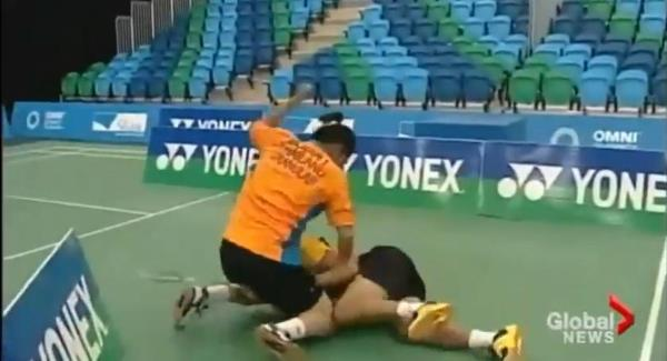 The Thai badminton player Bodin Issara has been banned for two years following a fight with his former doubles partner Maneepong Jongjit.