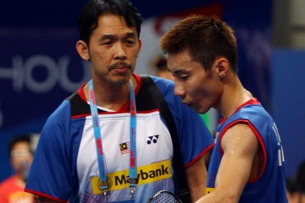Rashid Sidek (left) having a word with Lee Chong Wei at the World Championships in Guangzhou.