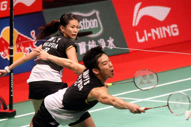 Chan Peng Soon-Goh Liu Ying in a file photo. The mixed pair staged a comeback in the first round of the Denmark Open to beat Sudket Prapakamol-Saralee Thoungthongkam of Thailand 19-21, 21-18, 21-19.