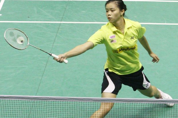 Yang Li Lian will be meeting Tee Jing Yi on Oct 6, 2013, in the KL Open women's singles final. Li Lian will be hoping to win her first senior title then.