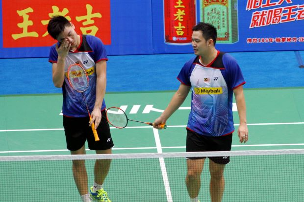 Koo Kien Keat-Tan Boon Heong were defeated 18-21, 18-21 by Russians Vladimir Ivanov-Ivan Sozonov at the China Open. They were the only Malaysians to be knocked out of the second round.