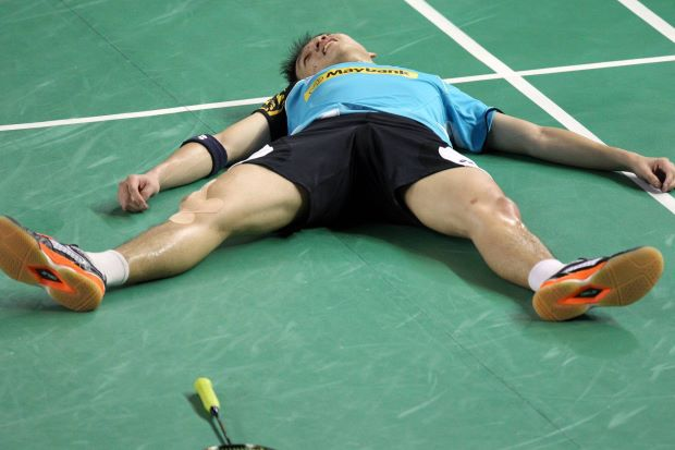 National singles shuttler Liew Daren has withdrawn from the Hong Kong Open that begins on Wednesday to fully recover from his foot and hamstring injuries in order to come back stronger for 2014.
