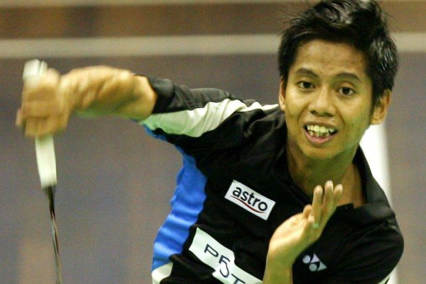 Mohd Arif Abdul Latif wins his first career title at the Malaysian International Challenge after beating Indonesia's Ivanudin Rifan Fauzin in the final in Kuching on Sunday.