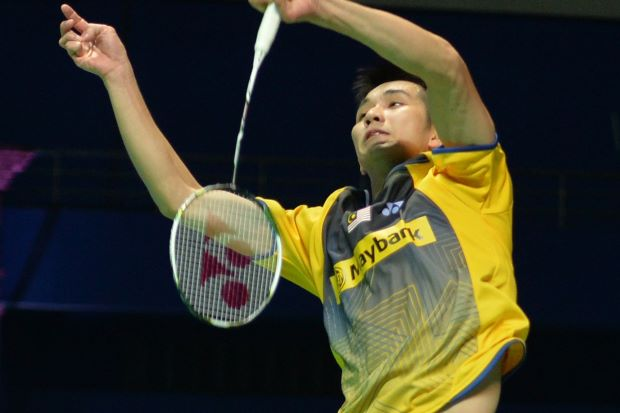 Chong Wei Feng faces his senior Lee Chong Wei in the Hong Kong Open second round on Nov 21, 2013.