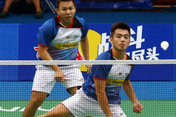 Hoon Thien How (left) and Tan Wee Kiong are pipped to a Super Series Finals berth at the Cheras Badminton Stadium (KLBA) from Dec 11-15.