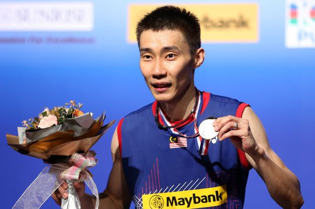 World No.1 Lee Chong Wei with the BWF Super Series Finals winner's medal after he easily beat Tommy Sugiarto of Indonesia 15-10, 15-12 in the final at the KL Badminton Stadium on Sunday for his fourth year-end Finals title