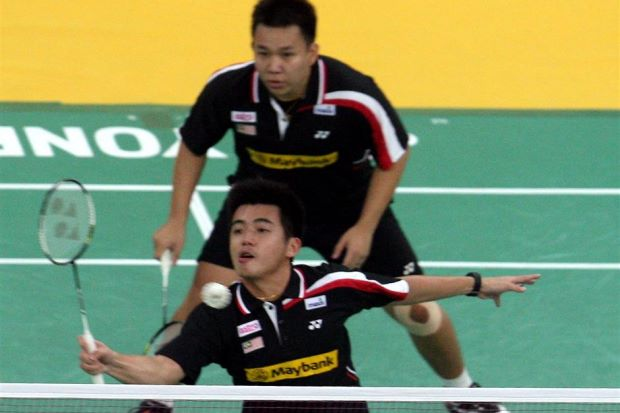 Hoon Thien How (back) and Tan Wee Kiong were given a scare by team-mates Chooi Kah Ming-Teo Ee Yi before prevailing in the second round of the Macau Open GP Gold.