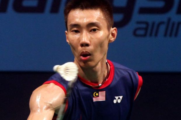 Lee Chong Wei beat Denmark's Jan O Jorgensen 23-21, 24-22 in 50 minutes to qualify as the group winner in the Super Series Finals.
