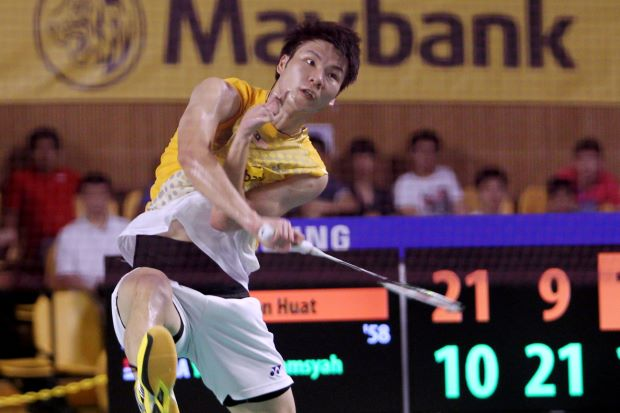 Malaysia's Goh Soon Huat pulled off an upset and move into the third round of the India Open GP Gold after beating Brice Leverdez of France 21-17, 21-18 on Wednesday.