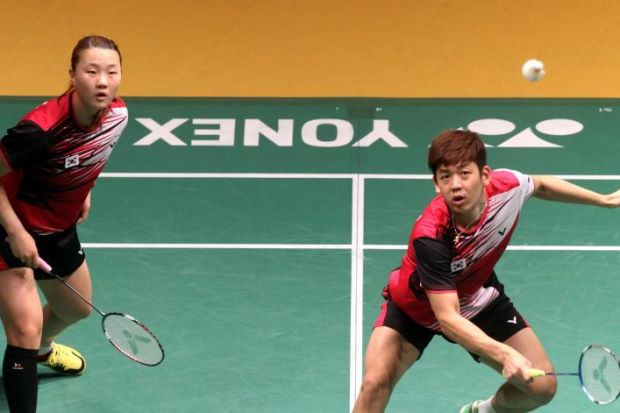 The Korean mixed doubles pair Lee Yong-dae (right) and Shin Seung-chan in action in the first round of the Maybank Malaysian Open on Jan 15, 2014. Yond-dae's primary objective this year is to do well in the Asian Games.