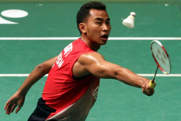 Tommy Sugiarto on his way to defeating India's K. Srikanth 21-10, 21-15 on Jan 17, 2014. He will meet Japan's Kenichi Tago in the semi-finals of the Maybank Malaysian Open.