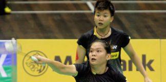 Lee Meng Yean (front) and Lim Yin Loo beat Shinta Mulia Sari-Yao Lei of Singapore 21-17, 22-20 in the Malaysia Open Grand Prix Gold quarter-finals.