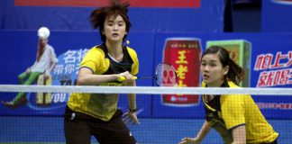 Woon Khe Wei (right) and Vivian Hoo crashed out of Asian Badminton Championships