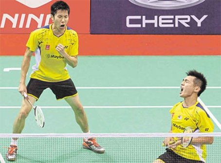 Tan Wee Kiong (right) Goh V Shem continued their superb performance to beat Carsten Mogensen-Joachim Fischer Nielsen 21-19, 21-13