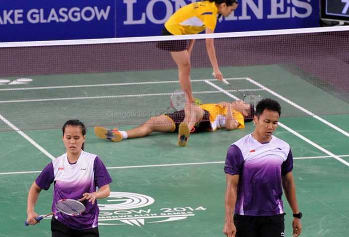 The winning moment for Chan Peng Soon-Lai Pei Jing in the semi-final of Commonwealth Games mixed team event