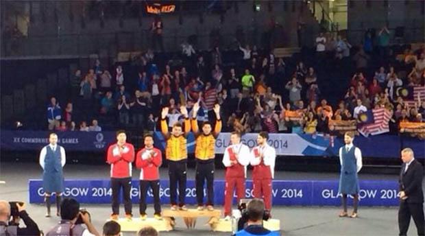 Tan Wee Kiong-Goh V Shem (yellow jacket) wins gold medal at Glasgow