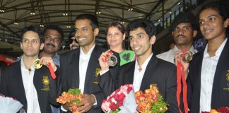 Kashyap, Sindhu and Guru touch down to rousing welcome