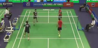 Goh V Shem-Tan Wee Kiong and Fu Haifeng Zhang Nan are warming up before the match