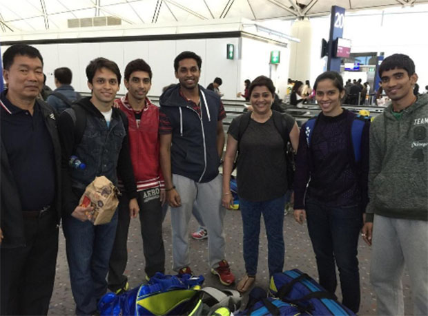 Saina and her team-mates are taking team photo before departing for China