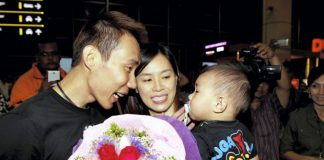 Wish Lee Chong Wei and his family a Merry Christmas and a joyous New Year!