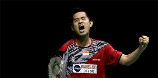 Simon Santoso continues to lead by example for the young Indonesian team at 2015 SEA Games