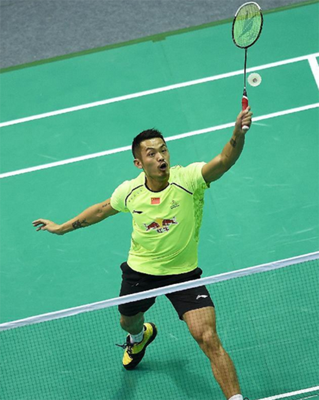 Lin Dan returns a shot at the Badminton Asia Championships