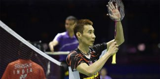 Lee Chong Wei thanks the crowd after his win over K. Srikanth at the 2015 Sudirman Cup. (photo: Reuters)