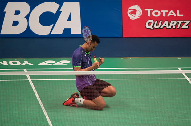 Can someone tell me whether Tommy Sugiarto is really so good? Or Lin Dan has already in decline from his peak.