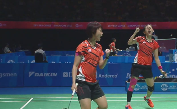 Vivian Hoo/Woon Khe Wei are on course to defend their SEA Games crown.